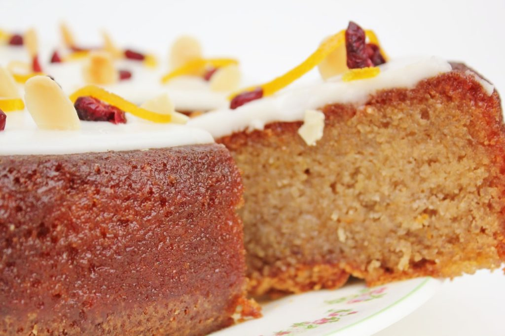 Tunisian Orange and Cranberry cake